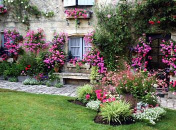 Salottino concorso balconi fioriti giugno pagina 3 for Foto giardini fioriti