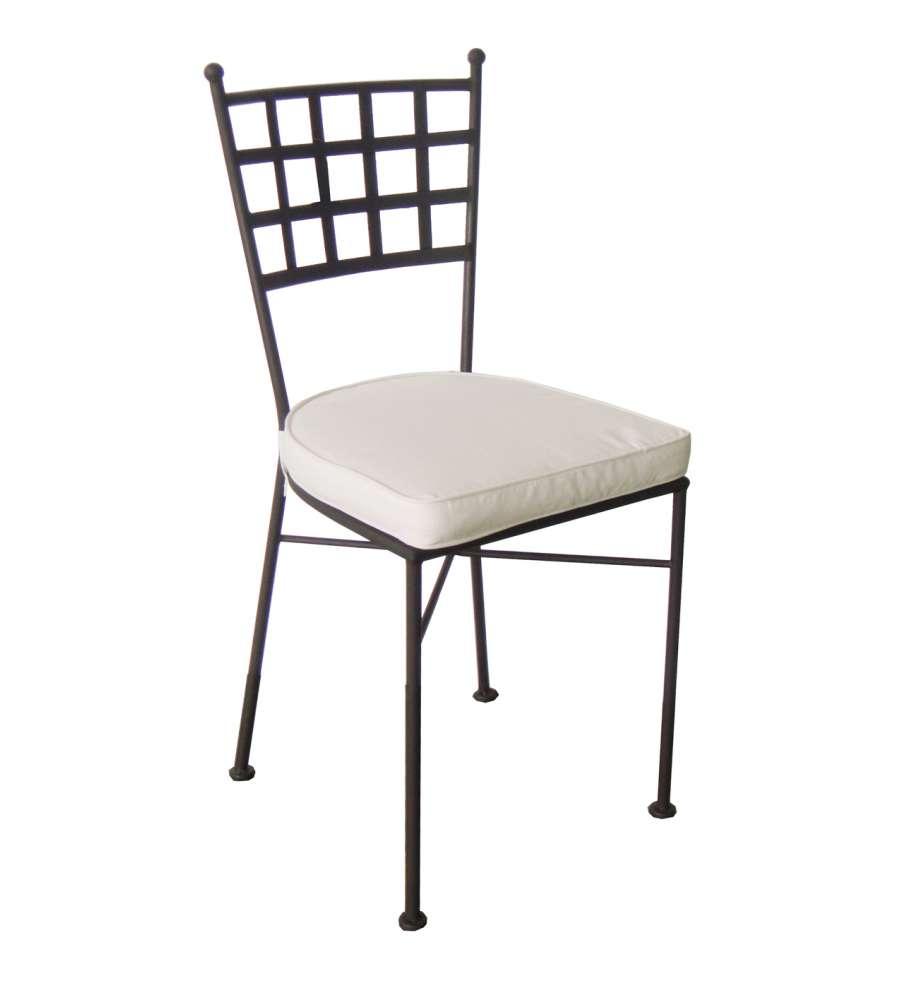 Offerta sedia in ferro battuto con cuscino for Poltrone giardino offerta
