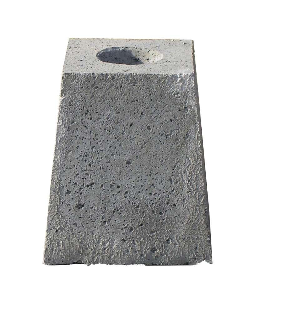 Plinto per pali di illuminazione plinto per recinzione for Pali cemento per recinzione