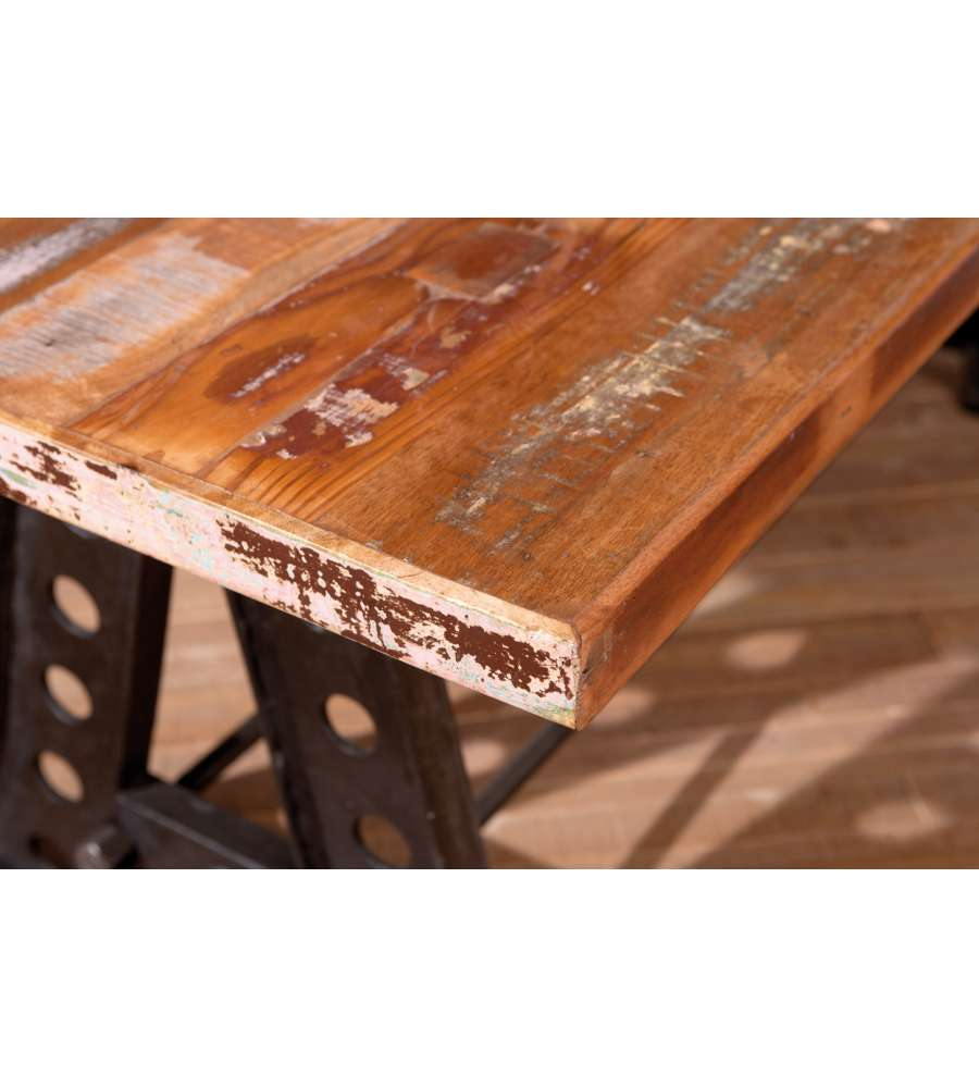 Tavolo con top in legno massello e struttura in metallo for Offerte tavoli legno massello